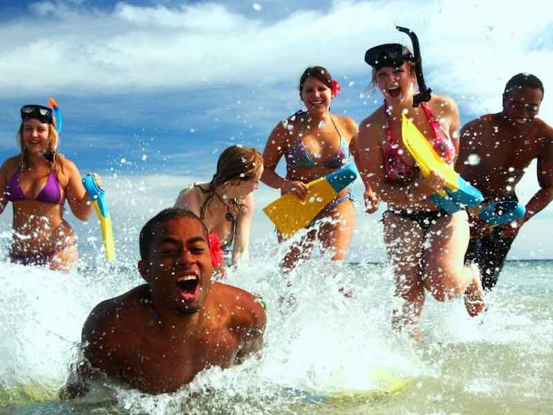 Fiji visa free tour with Tripdezire for booking call at 999 111 9350