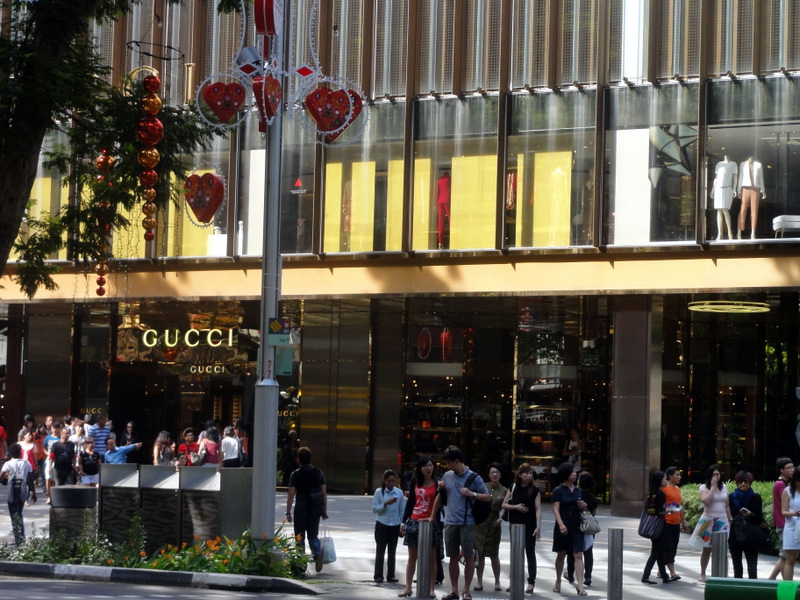 Orchard Road Singapore tour with TripDezire for booking call at 999 111 9350