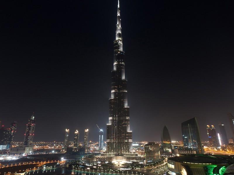 Burj Khalifa Dubai Tour by TripDezire