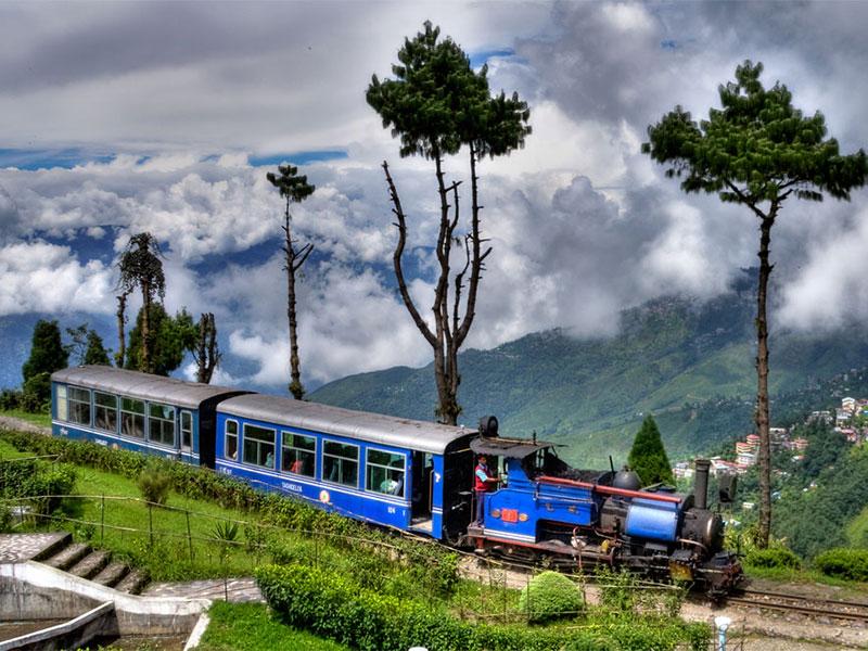 Darjeeling-Gangtok Tour Package with TripDezire