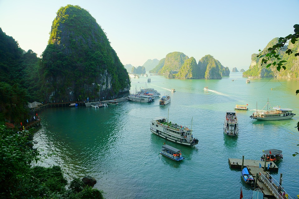 Vietnam tour package with TripDezire